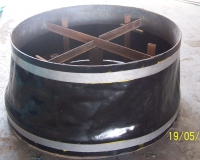 pipeline protection with casing end seals